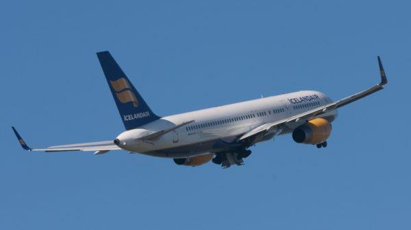 Boeing 757-208(WL)