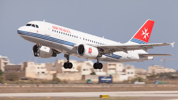 Airbus A319 @ Luqa Airport